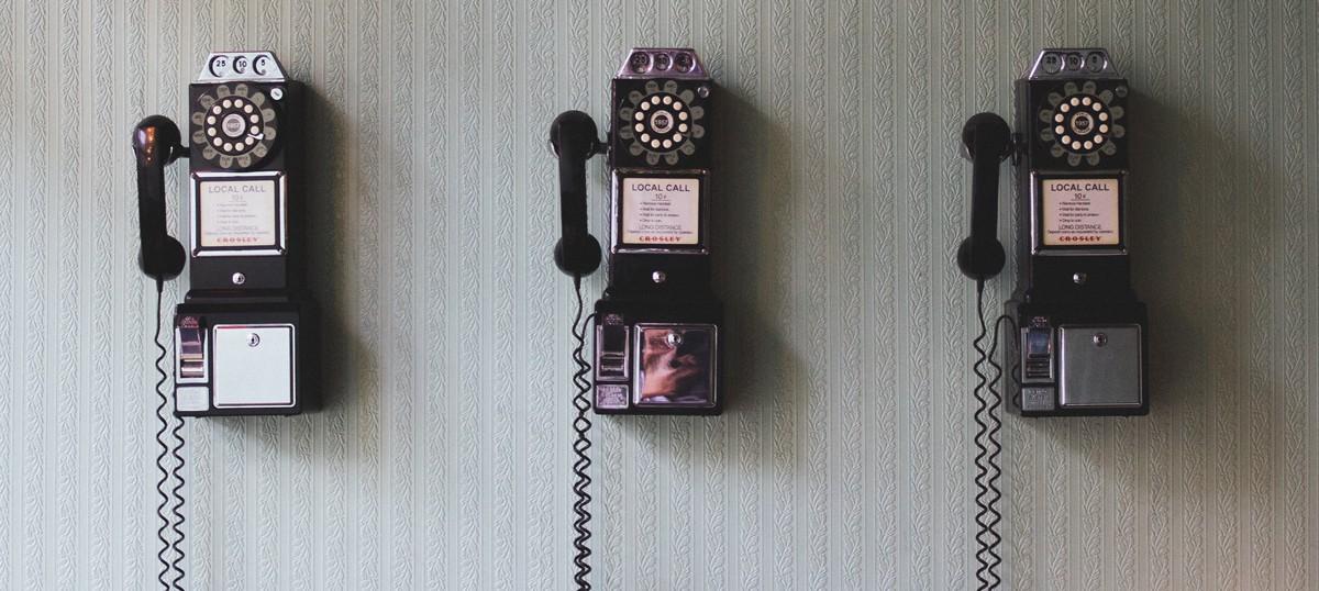 Επικοινωνία με το Not An Expert